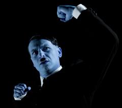 Fulvio Pepe interpreta il Fuhrer in IO HITLER